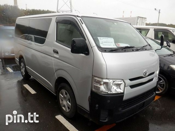 Toyota Hiace, 2015, ROLL ON ROLL OFF-1