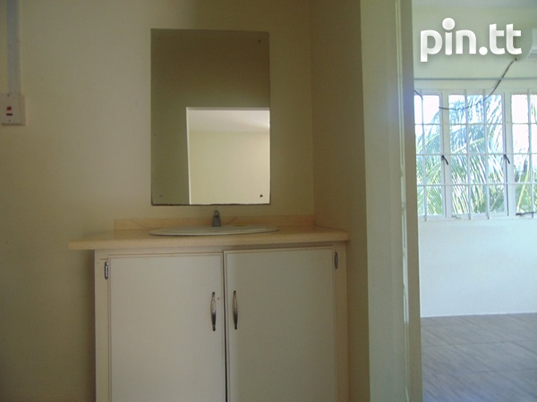 CASCADE UNFURNISHED 2 BEDROOM APARTMENT-6