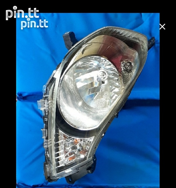 Pair of Nissan AD y12 headlights in excellent condition-2