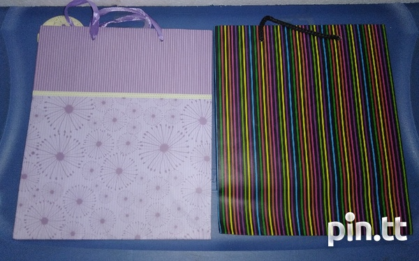 Gift bags and Gift paper-2