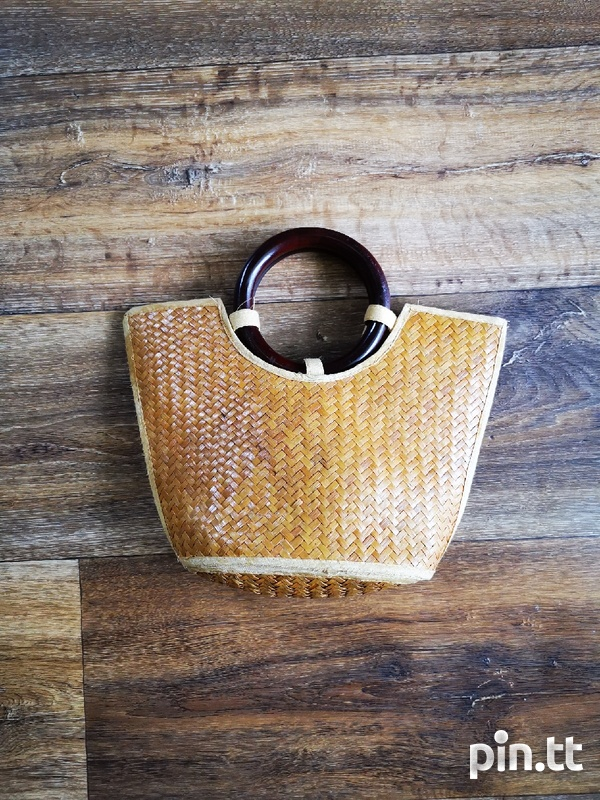Woven Purse with Wooden Handle-1
