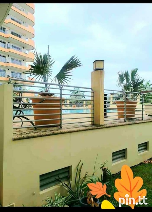 One Woodbrook Place. 2 Master Bedroom. Executive Apartment.-16