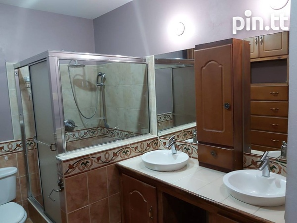 EXQUISITE TOWNHOUSES WITH 2 BEDROOMS-4