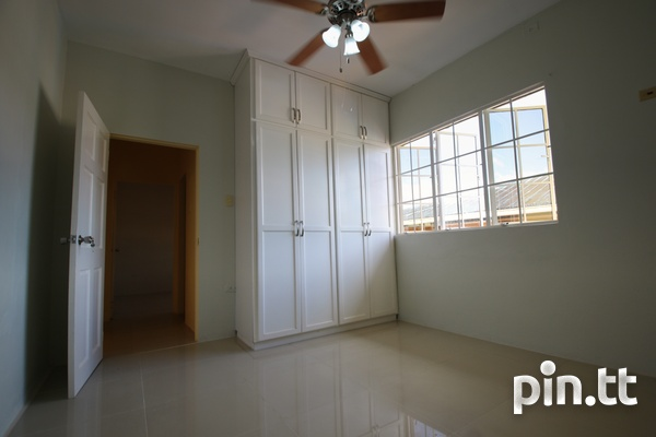 3 Bedroom Upstairs Apartment-8