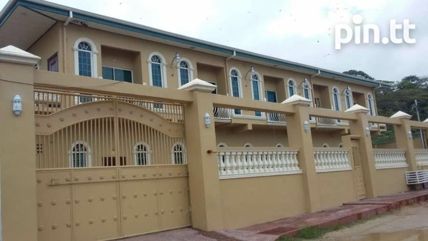 2 BEDROOM PIARCO TOWNHOUSE-1