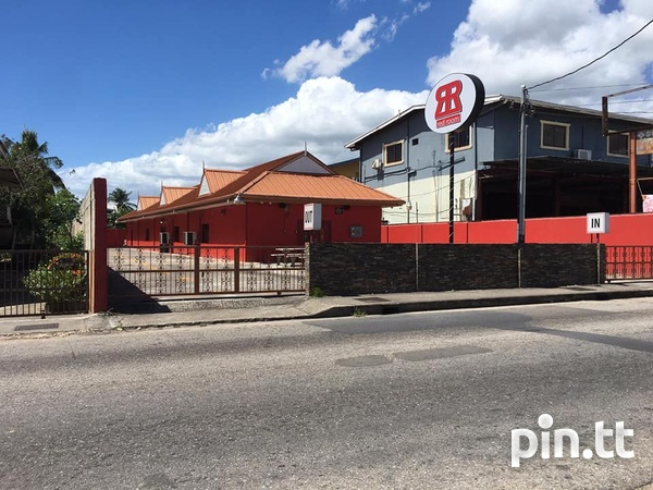 CURUPE COMMERCIAL SPACE AVAILABLE - IDEAL FOR FOOD OUTLET-3