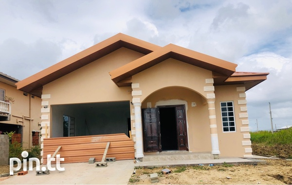 Central Home with 3 Bedrooms-8