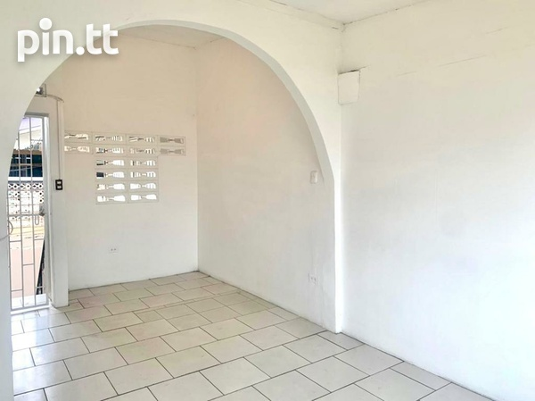 UNFURNISHED TWO BEDROOM APARTMENT BARATARIA-5