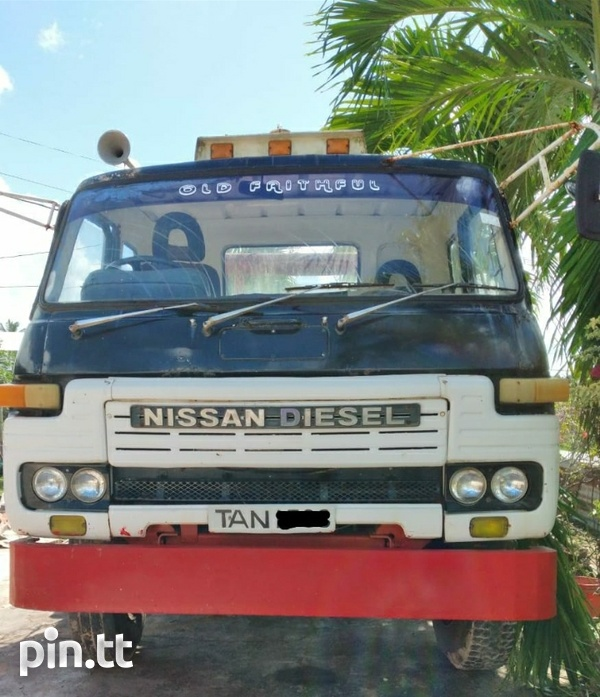 Nissan Flatbed Truck with Winch-1