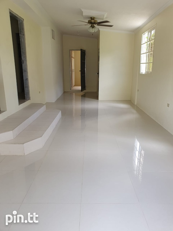 Apartment with 2 Bedrooms Union Hall, San Fernando-2