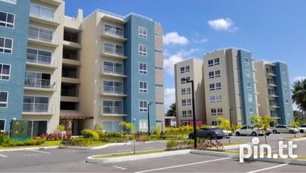 Pinewood Place Condominium with 3 Bedrooms-2