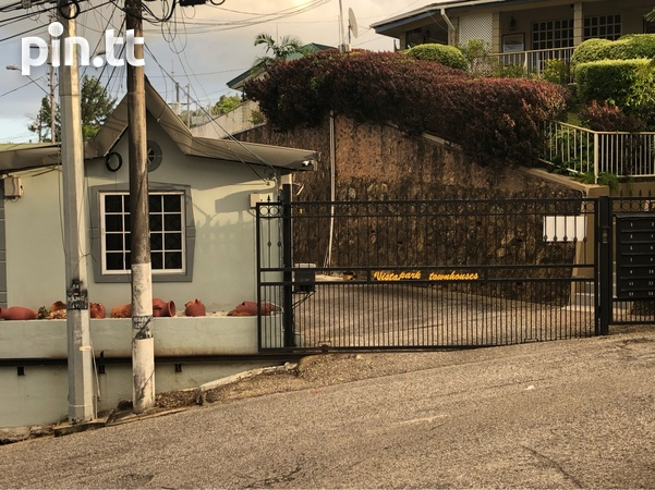 Vistapark Townhouse with 3 Bedrooms-1