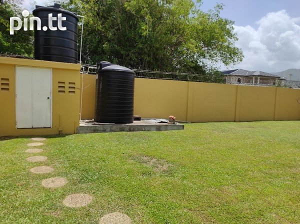 Dinsely Courts, Safe Community House with 3 Bedrooms-15