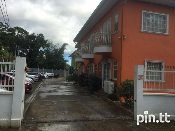 EXQUISITE TOWNHOUSES WITH 2 BEDROOMS-2