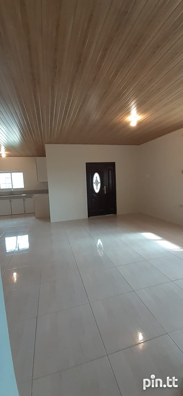 TRINCITY 2 BEDROOM APARTMENT-3