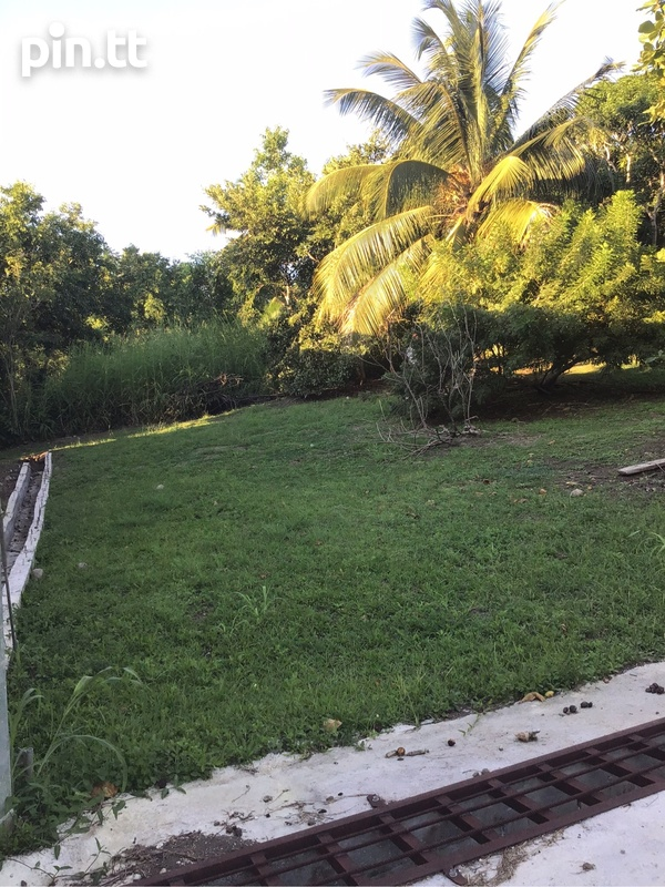 2 lots Renn Avenue La Romain just off Palmiste Boulevard .-2