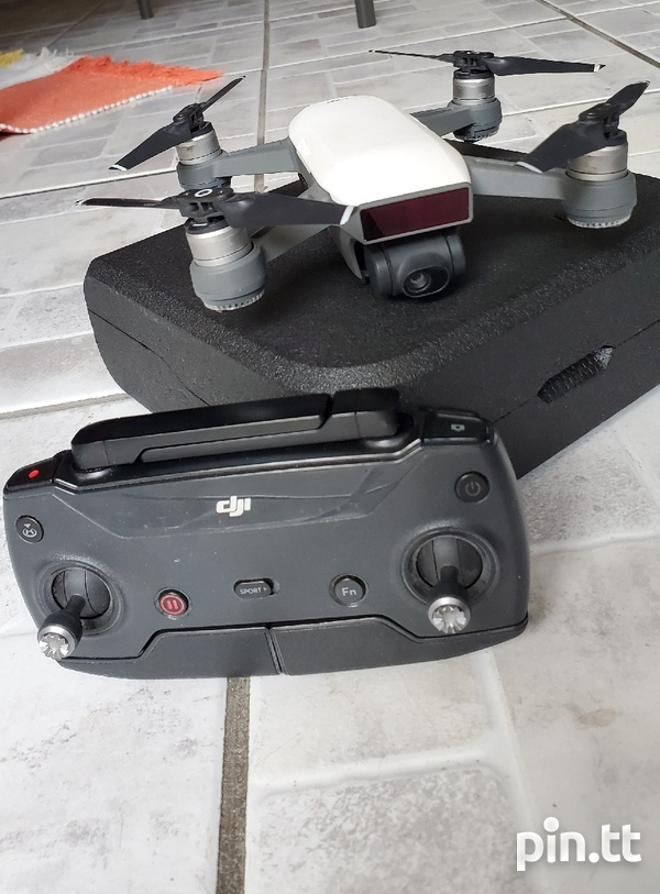 DJI SPARK WITH CONTROLLER-2