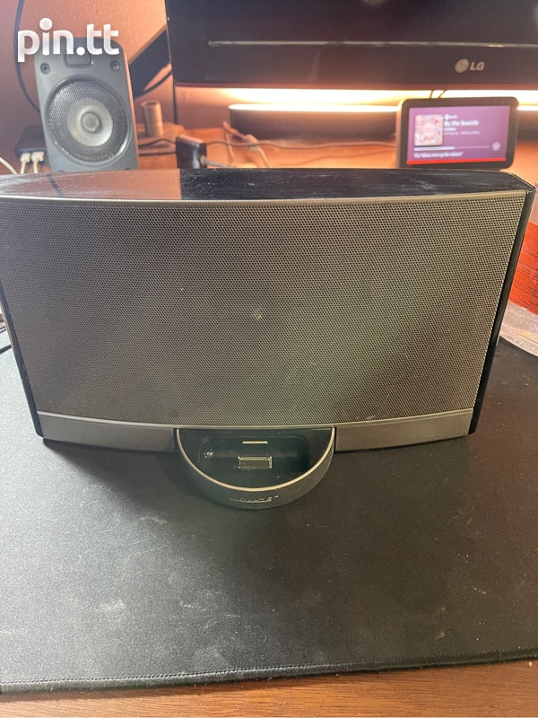 Bose Sound Dock Portable-1