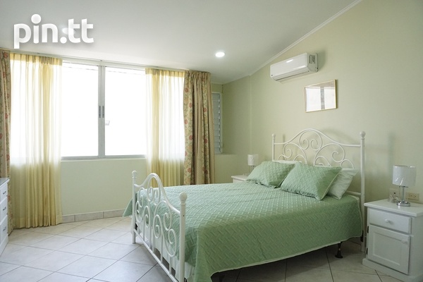 Highpoint Townhouse with 2 Bedrooms, Westmoorings-12