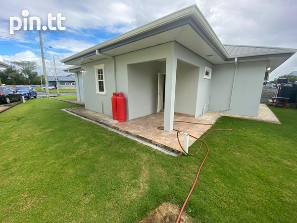 Savannah Court Freeport- 3 Bedroom House in a Gated Community-1