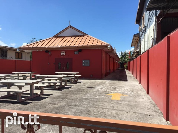 CURUPE COMMERCIAL SPACE AVAILABLE - IDEAL FOR FOOD OUTLET-1