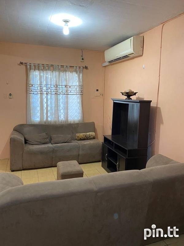 Affordable Marabella House with 3 Bedrooms-1