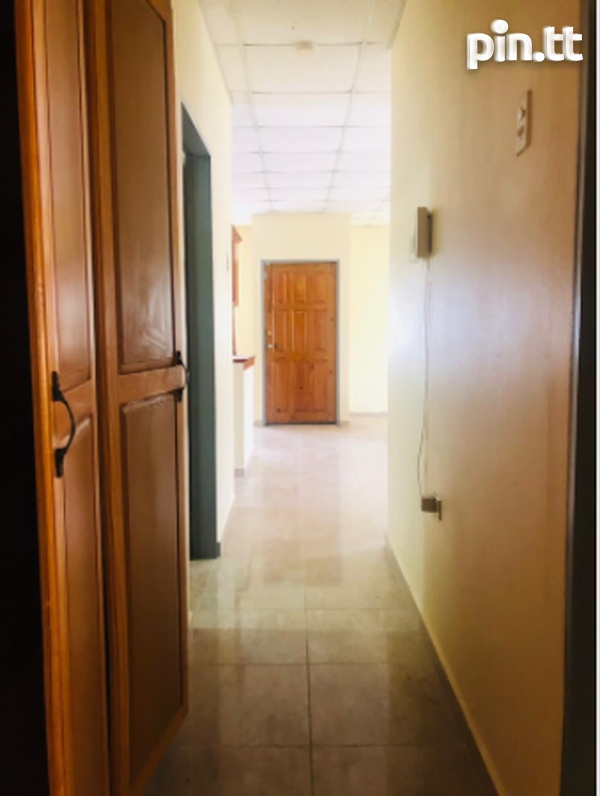 St. Clair, Trincity house with 3 bedrooms-5