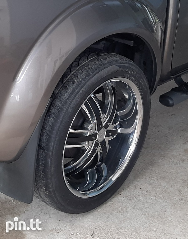 22 inch Rims and Tyres-2