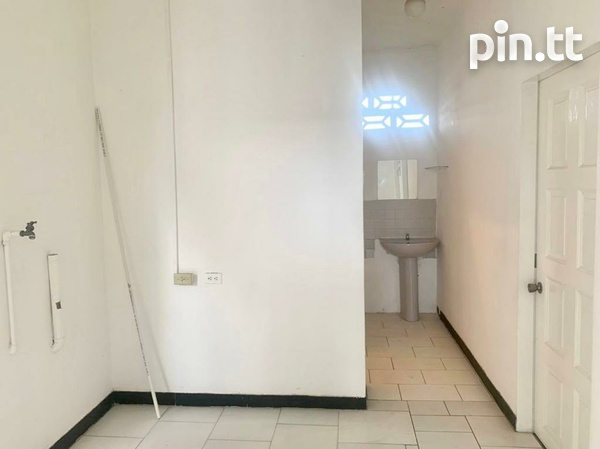 UNFURNISHED TWO BEDROOM APARTMENT BARATARIA-9