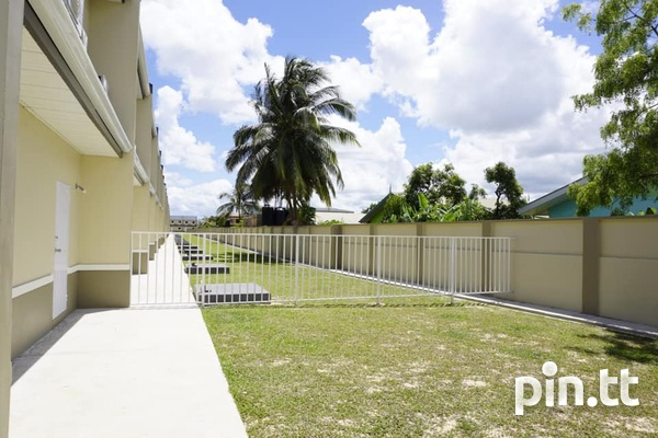 Bamboo Creek Gated Development 3 Bedroom, 2.5 Bath Units Available-7