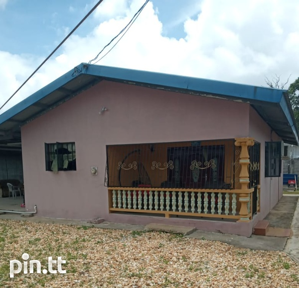 Two houses with three bedrooms each, Brazil Village-6