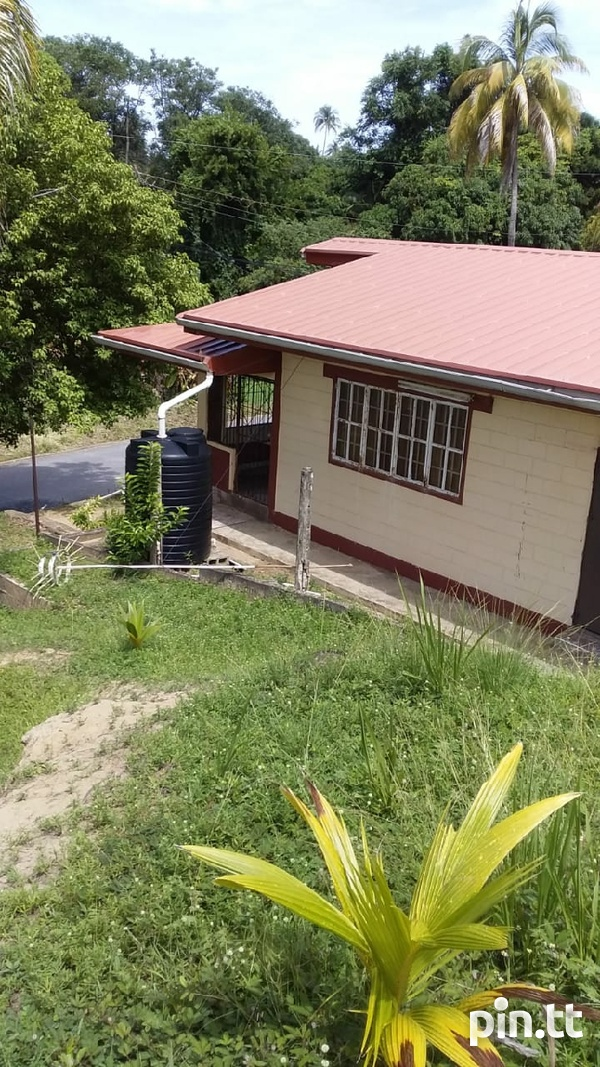 1 Bedroom House Country Chill In Guayaguayare-2