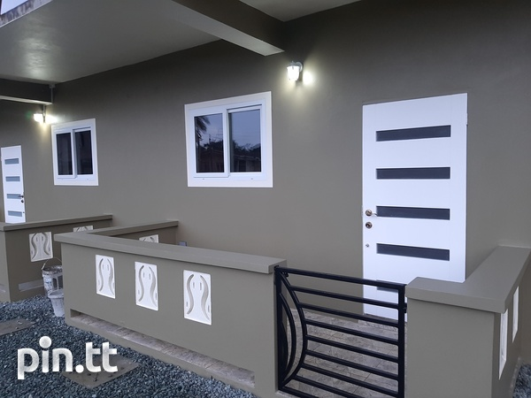 Short and long term 1 bedroom apartments-6