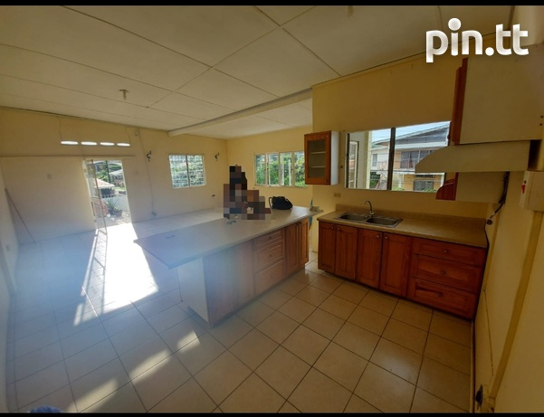 Spacious, modern two bedroom apartment-4