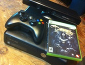 XBOX 360 with kinect, one controller and two games
