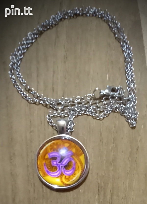 Glass Dome Hindu Sign Pendant and chain-8