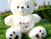 Cute, plush valentines teddy bear 2ft tall