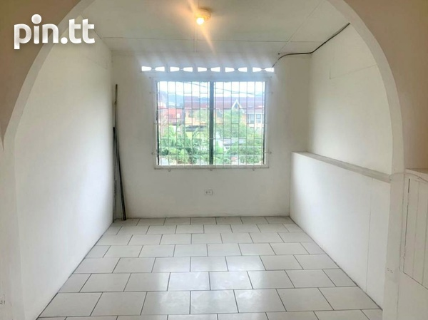 UNFURNISHED TWO BEDROOM APARTMENT BARATARIA-6