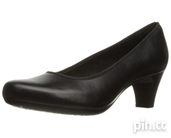 Rockport black leather round toe low heels-5