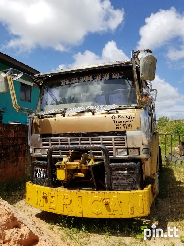 Foreign Used Nissan WRECKER-1