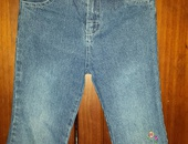 Girl's blue jeans with floral embroidery