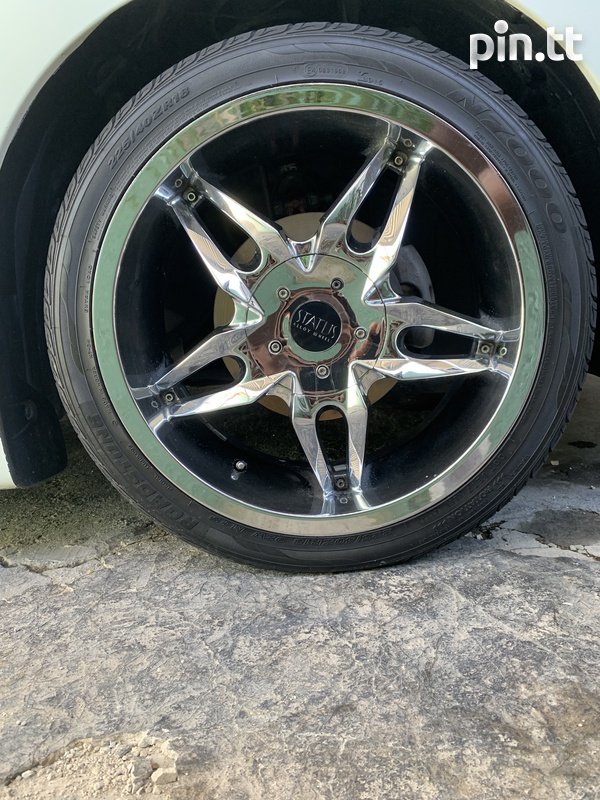 18 inch STATUS with tires-1