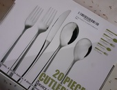 8/10 stainless steel cutlery set.
