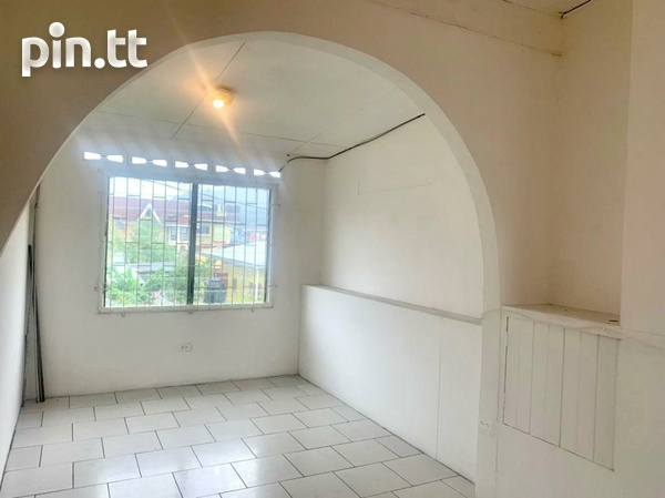 UNFURNISHED TWO BEDROOM APARTMENT BARATARIA-4