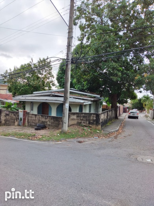 3 Bedroom La Puerta and Broome Street, Diego Martin House-1