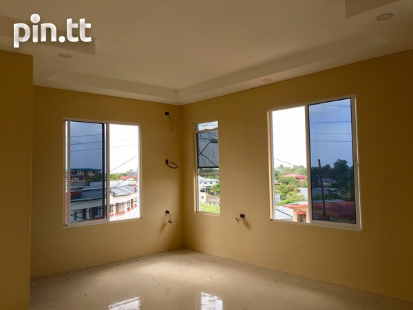 Brand New Spacious 3 Bedroom Townhouse-10
