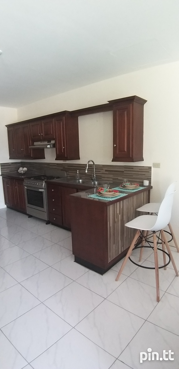 End Unit Townhouse with 3 Bedrooms-3