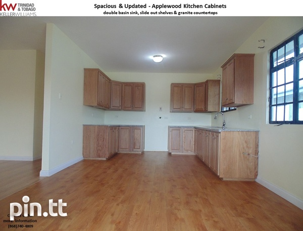 Brazil/Jai Court - Spacious, Comfortable & Elegant Home with Commercial Addition-3
