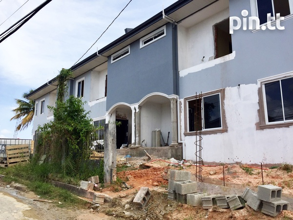 Brand New Spacious 3 Bedroom Townhouse-13