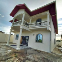 2-Storey 4 bedroom 3 bathroom House - Located 5 mins from the heart o